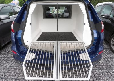Mobile dog kennel